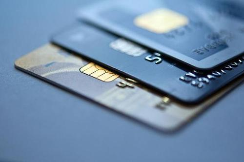信用卡最低还款可以长期使用吗?有什么影响?